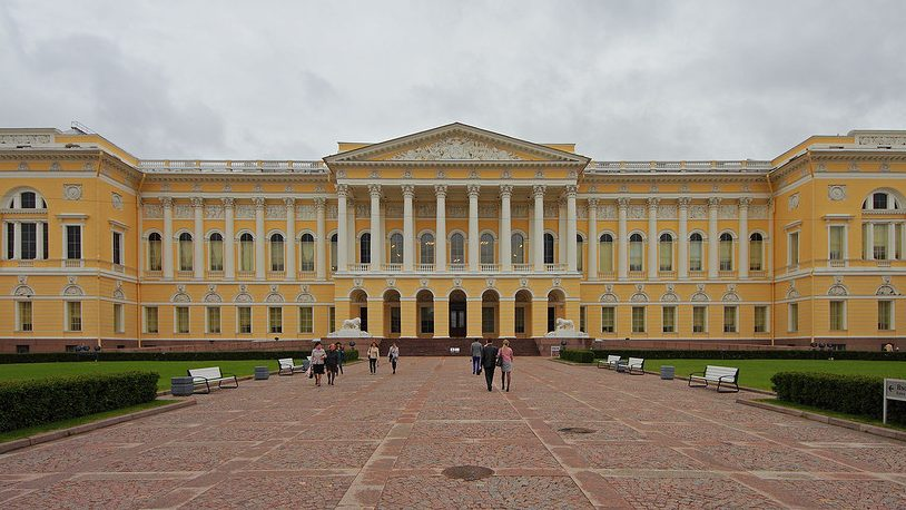 Русский музей хочет создать специальный проект видеогида на языке жестов