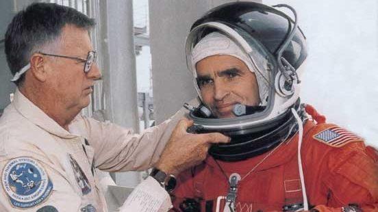 Первый украинский космонавт против переноса праздника