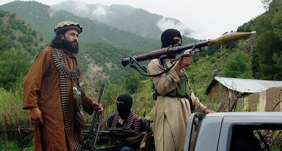 """Тысячи мигрантов в ФРГ могут оказаться бывшими боевиками """"Талибана"""""""
