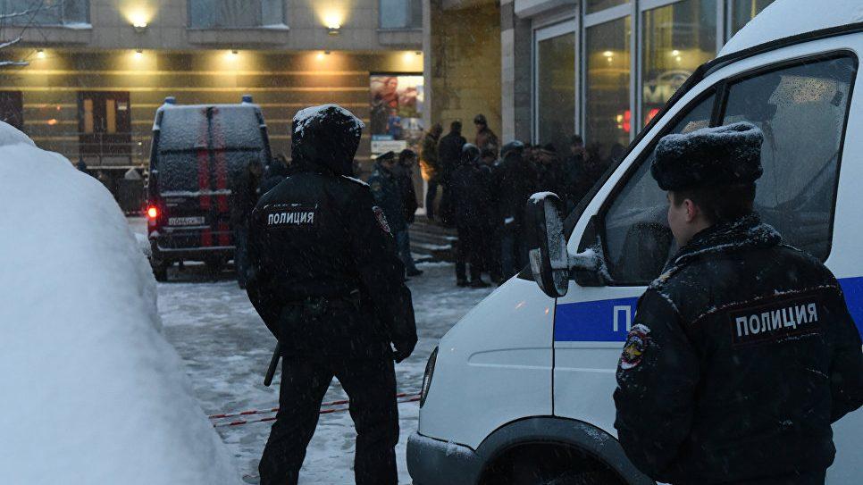 Подросток в Петербурге получил серьезные травмы после взрыва