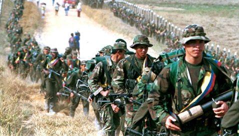В Колумбии плененный повстанцами россиянин отобрал у конвоя оружие и сбежал