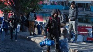 Газета Parisien пишет, что жительницы парижского квартала, который расположен около известной на весь мир достопримечательности - Базилики Сакре-Кер, массово обращаются с жалобами в местные правоохранительные органы.