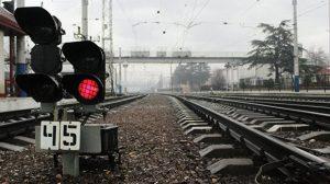 в результате железнодорожной аварии