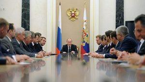 Путин поручил кабмину