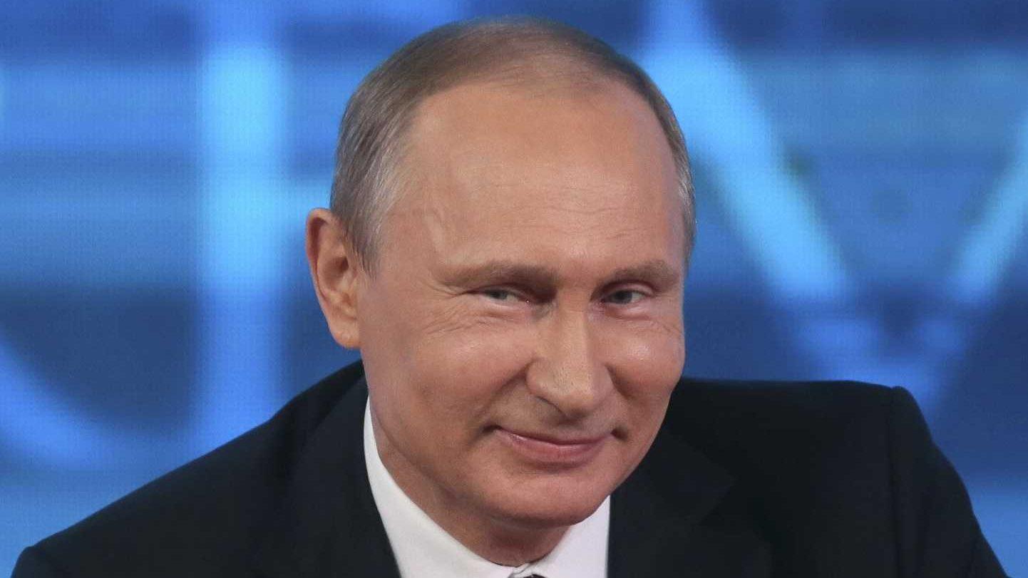 Путин поздравил глав 13 стран с Днем Победы