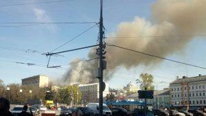 Пожару в центре Москвы присвоен третий уровень опасности