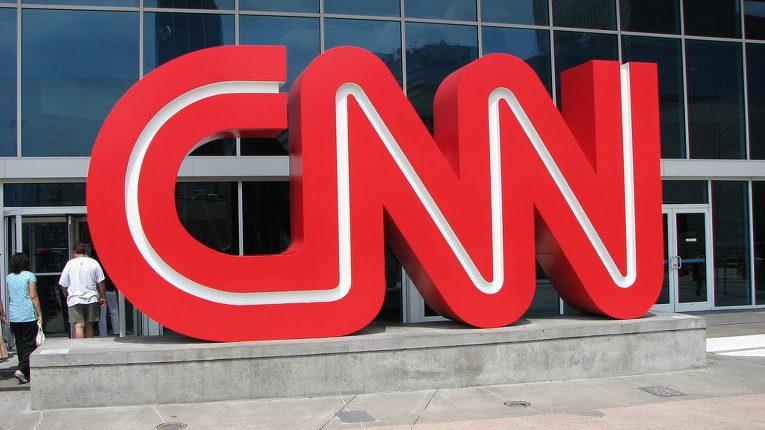Три журналиста CNN уволились