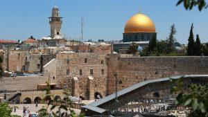 Храмовой горы пострадали более 120 палестинцев