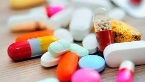 лекарственными препаратами
