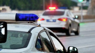 Два сотрудника полиции