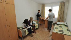 студентов