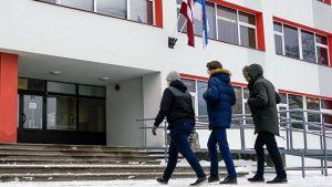школах Латвии