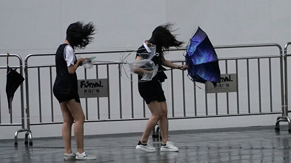 супертайфуна