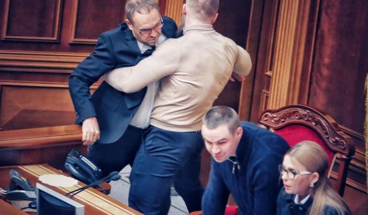 депутатами