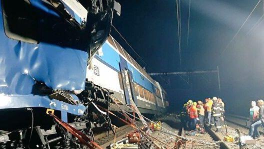 грузовой поезда