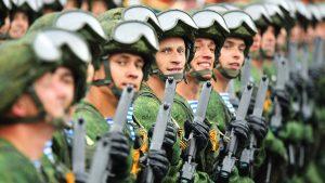 военных