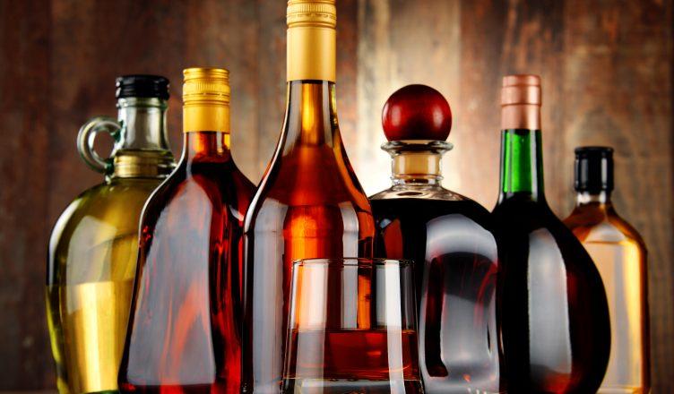 Алкоголем