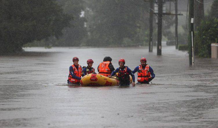 Австралийская армия поможет с эвакуацией во время новоднений