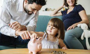 Из-за какой недвижимости бедная семья останется без пособий?