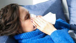 Чихание может быть признаком заражения COVID-19