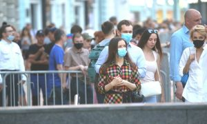 В России новая волна COVID-19.Число заболевших растет