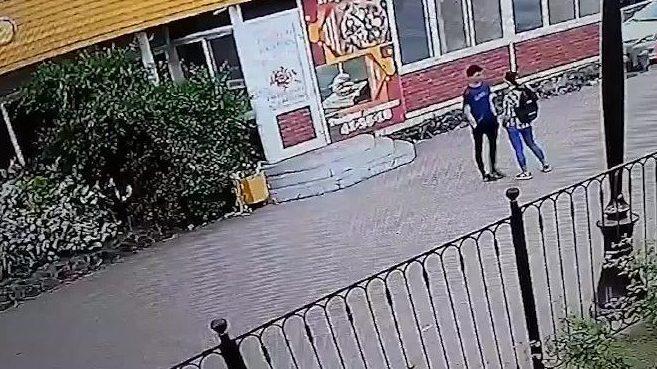 В Братске девушка зарезала подростка