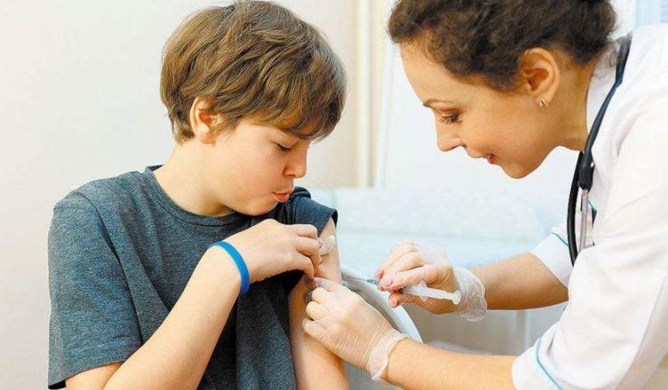 Великобритания против вакцинации детей от COVID-19