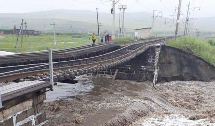 В Забайкалье обрушился железнодорожный мост